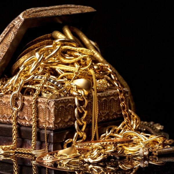 Sälj dina trasiga och överblivna guldsmycken